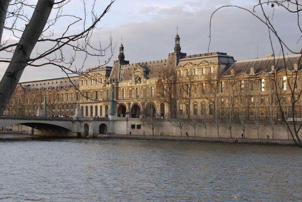 Le Louvre Pont du Carrousel Paris
