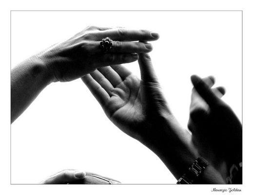 ... Le mani...