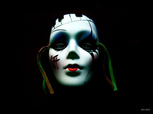 ...Le masque....