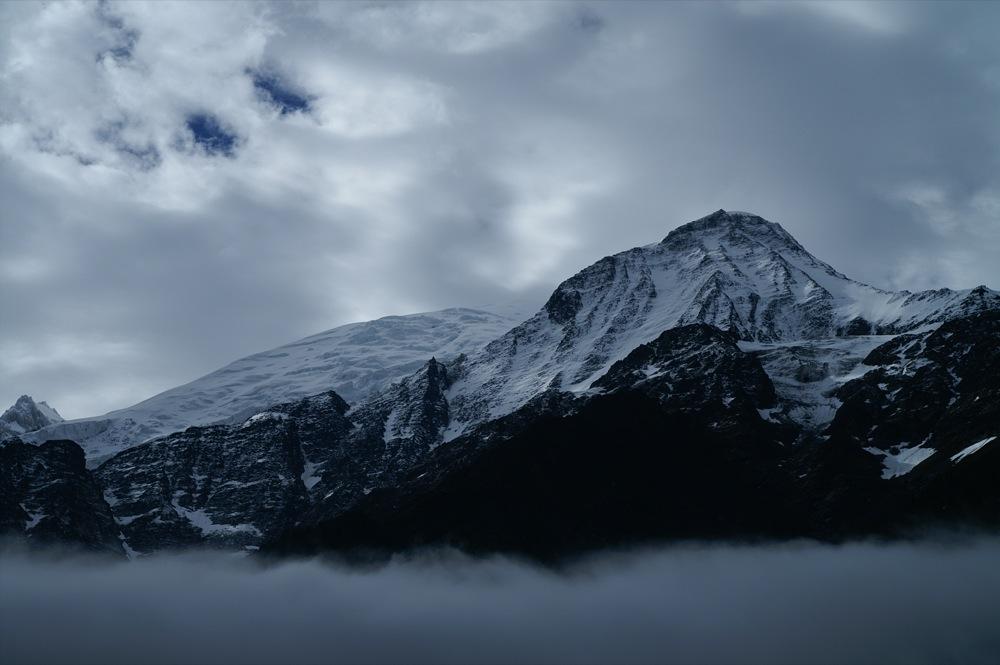 le massif du Mont Blanc par mauvais temps