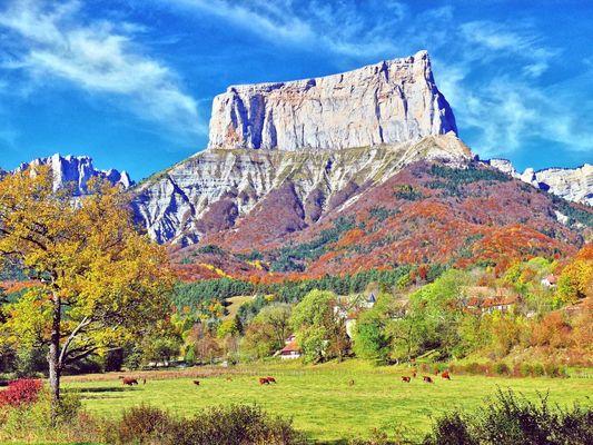 Le Mont Aiguille en Automne