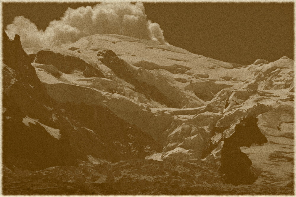 Le Mont-Blanc joue au volcan