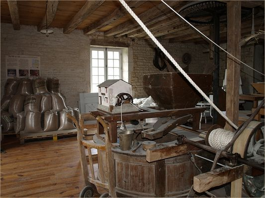Le Moulin de Verteuil - Dans la salle des meules..