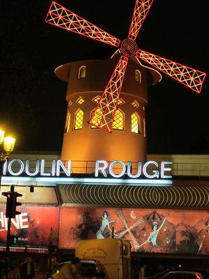 LE MOULIN ROUGE -PARIS-