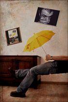 Le parapluie jaune...