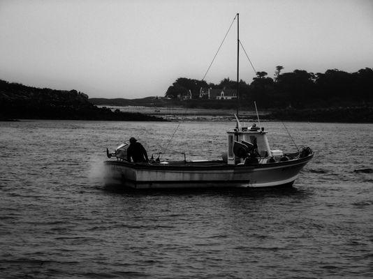 Le pêcheur part en mer à l'Ile de Batz