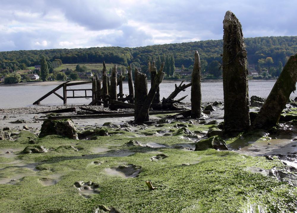 Le petit pont de bois, N° 2 (bord de Seine) VILLEQUIER / Ht NORMANDIE