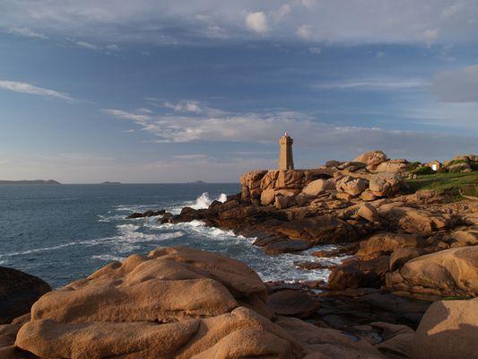 Le phare du Ploumanac'h près de Trégastel