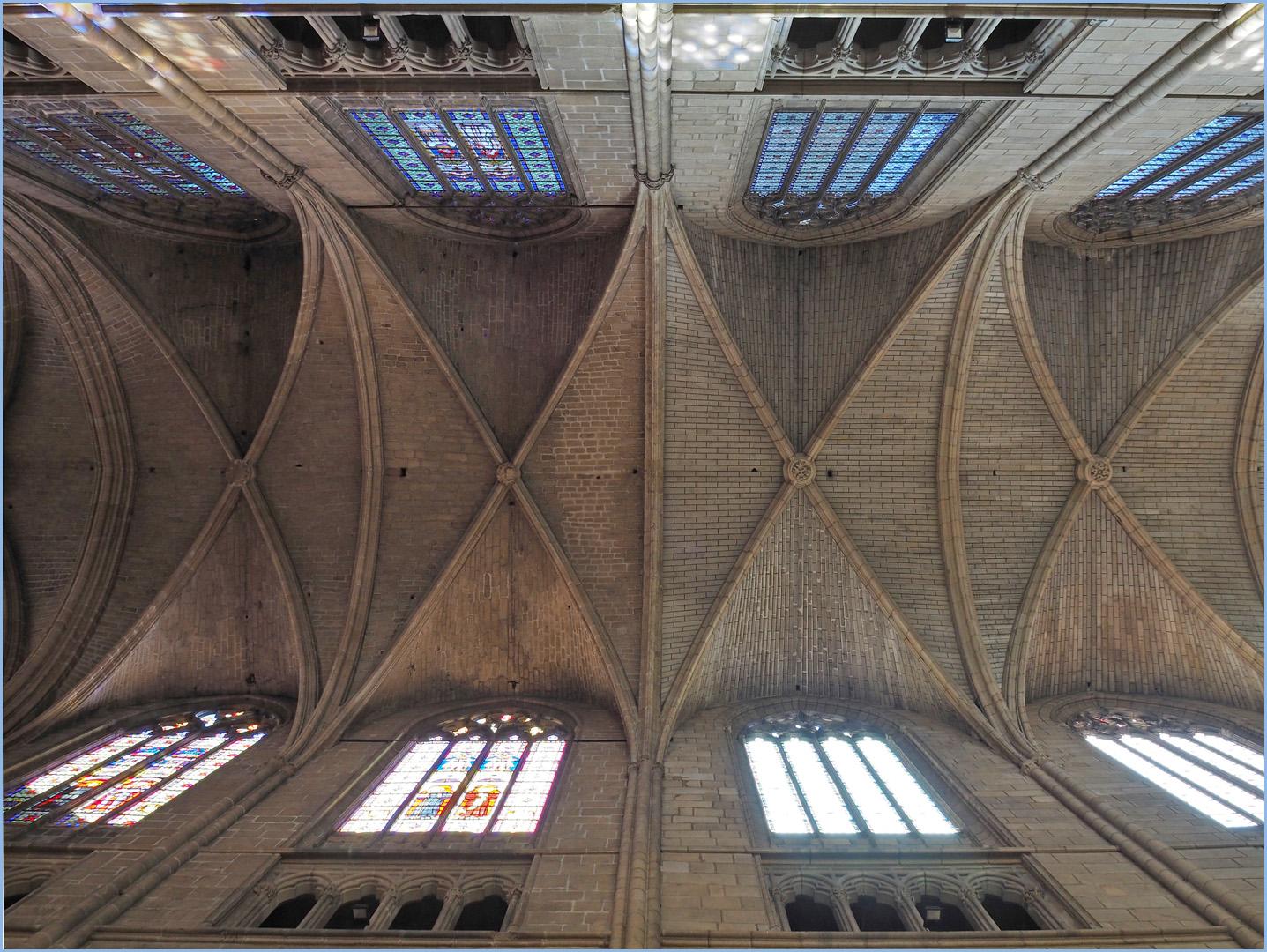 Le plafond de la nef   --  Cathédrale St Etienne de Limoges