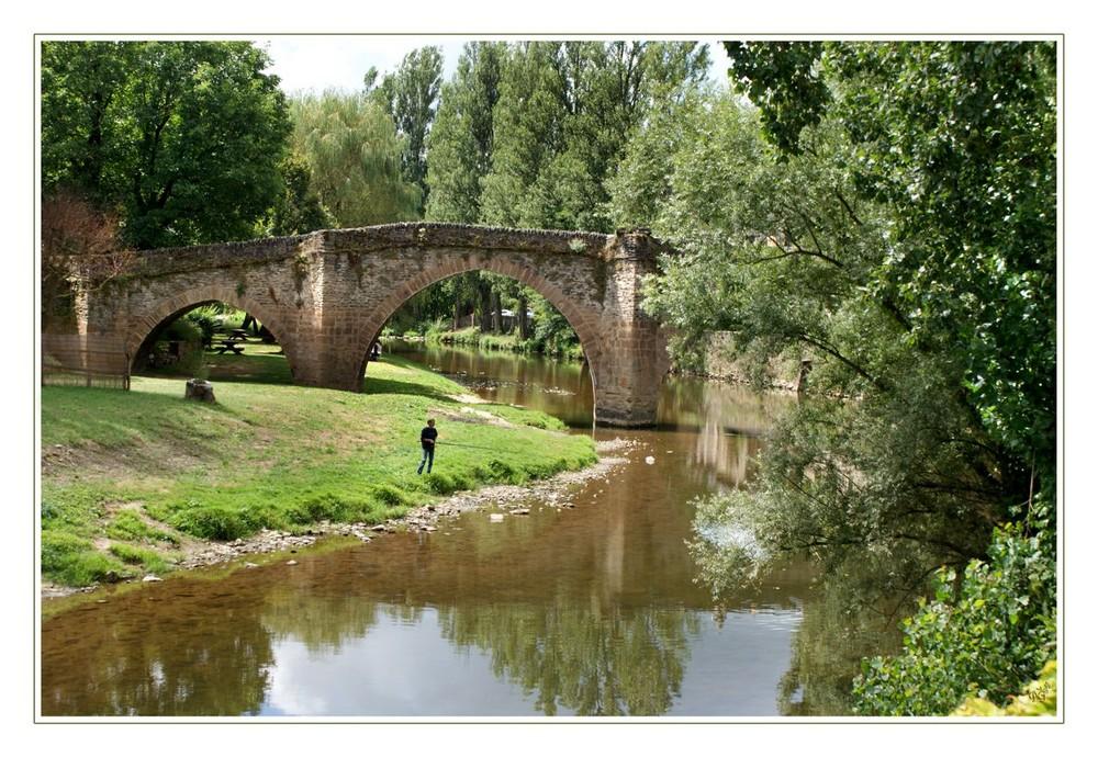 Le pont à Belcastel