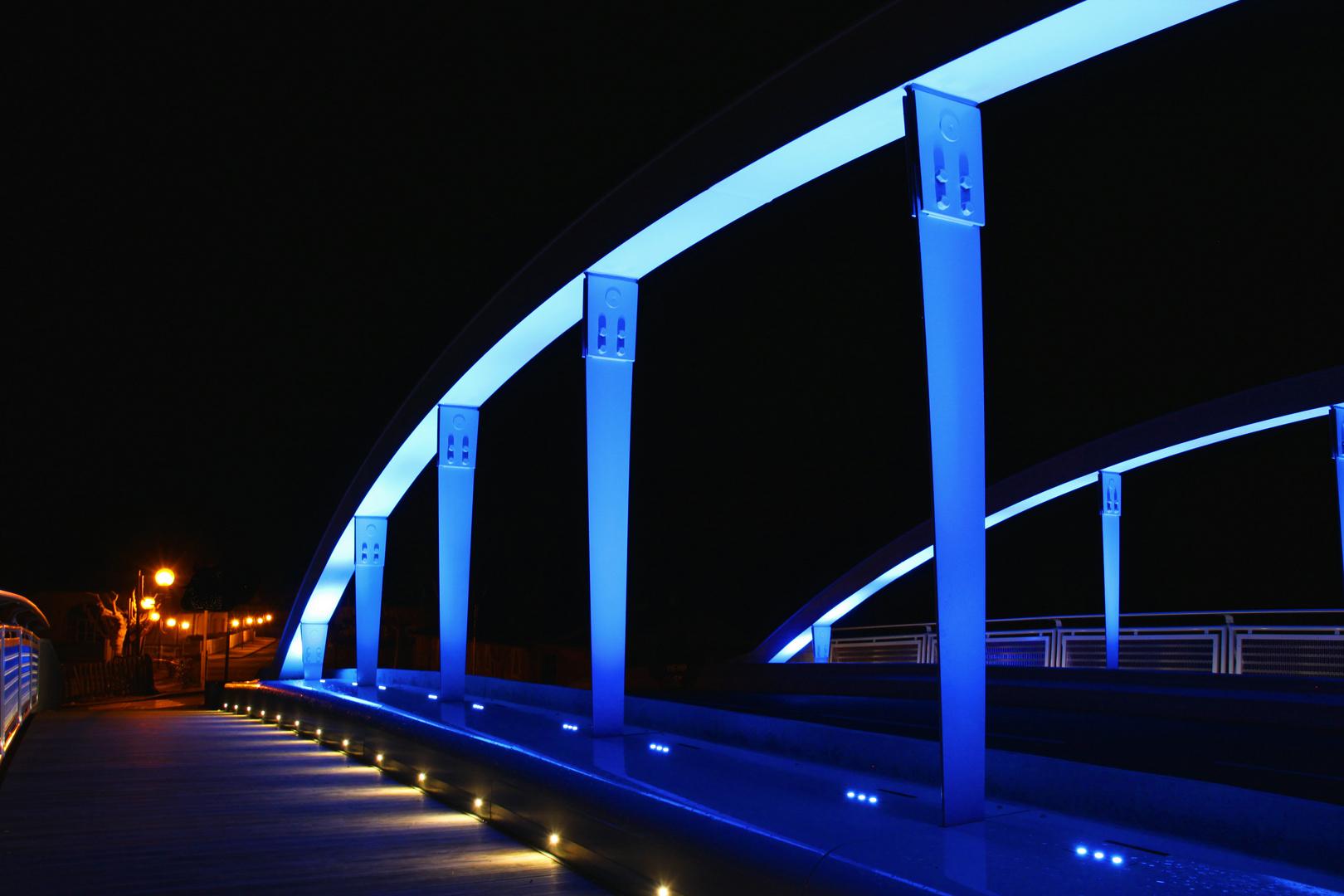 le pont bleu 1