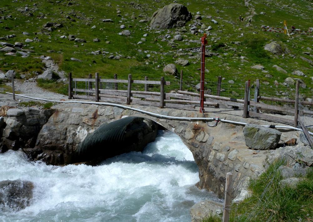 Le pont de Trift (Valais)..02