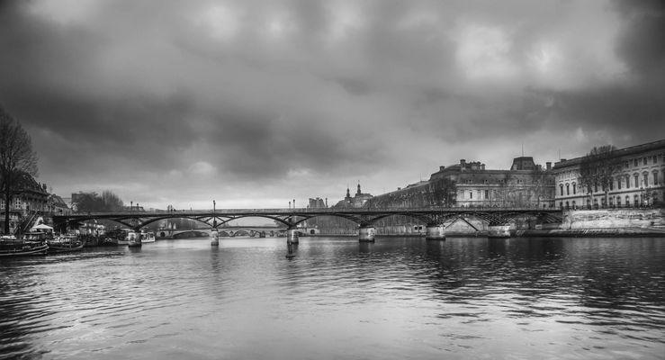 Le pont des Arts et la Seine