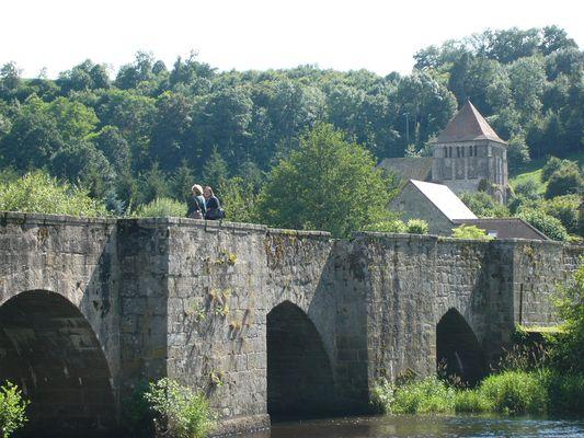 """Le Pont dit """"romain"""" sur la Creuse à Moutier d' Ahun"""