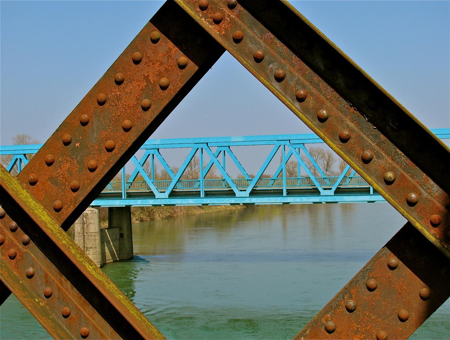 .. Le Pont en face !!!...