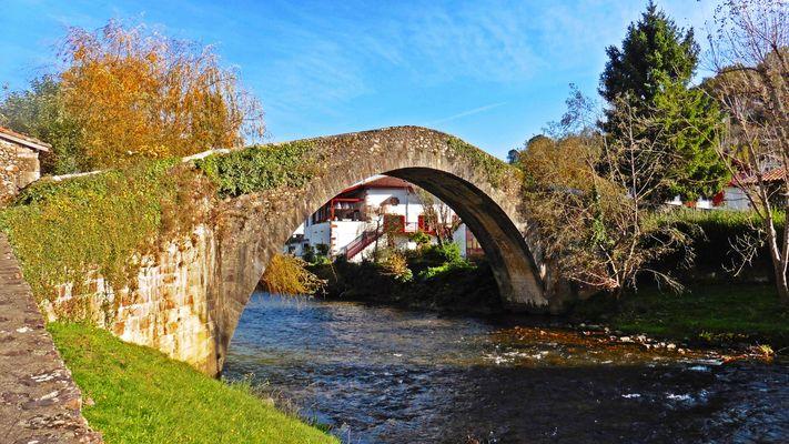 Le pont romain à Baigorri