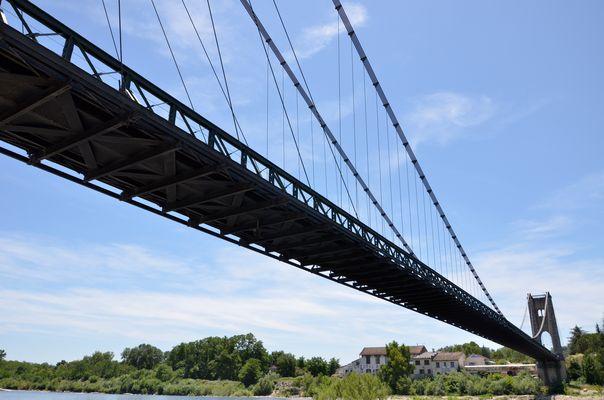 le pont suspendu à Saint Martin d'Ardèche