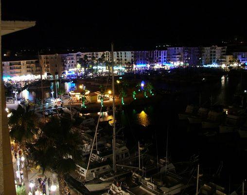 Le port de Fréjus la nuit