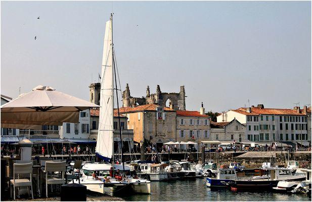 *le Port de Saint Martin en été*