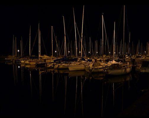Le port d'Evian les bains ,la nuit