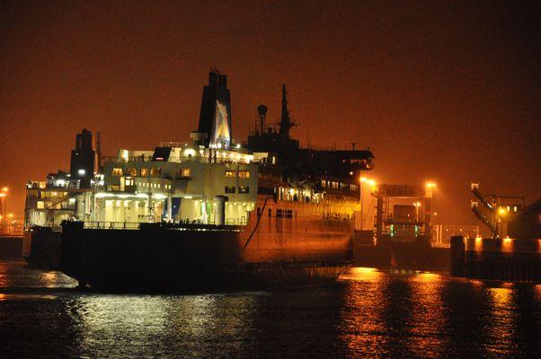 Le port, lumières et reflets