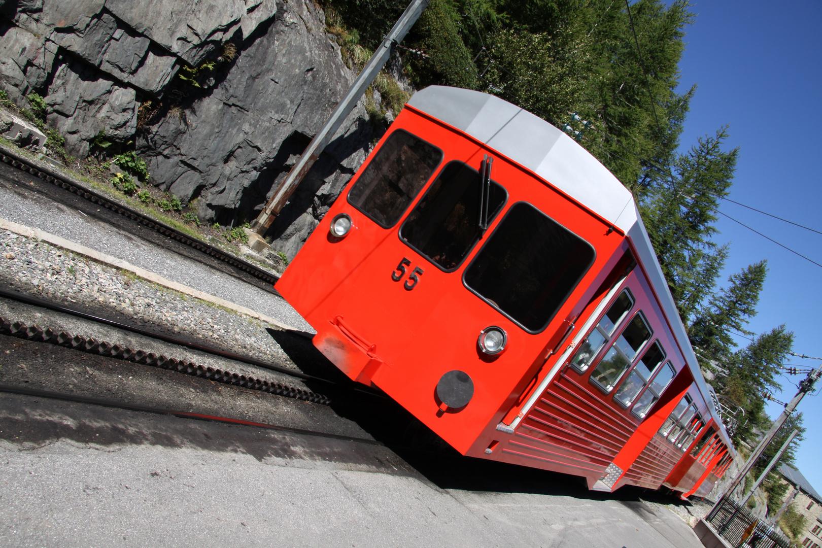 le pti train .........rouge!!!!