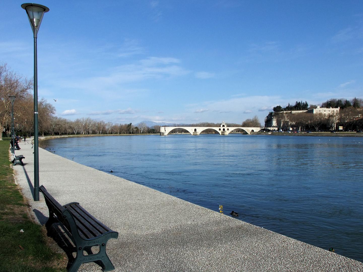Le Rhône en courbe douce...