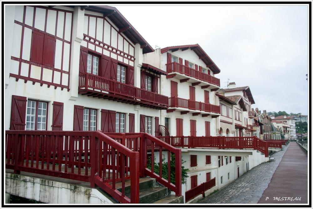 le rouge basque photo et image europe france aquitaine images fotocommunity. Black Bedroom Furniture Sets. Home Design Ideas