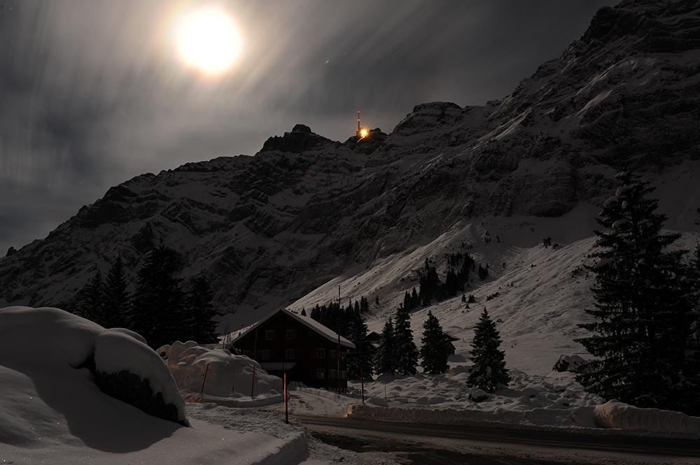 Le Säntis à pleine lune