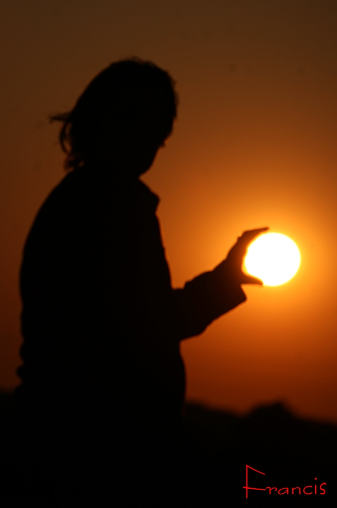 le soleil dans sa main