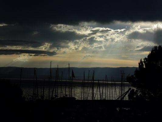 Le soleil qui transperce les nuages