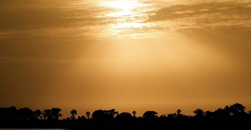 Le Soleil se couche sur le Sénégal
