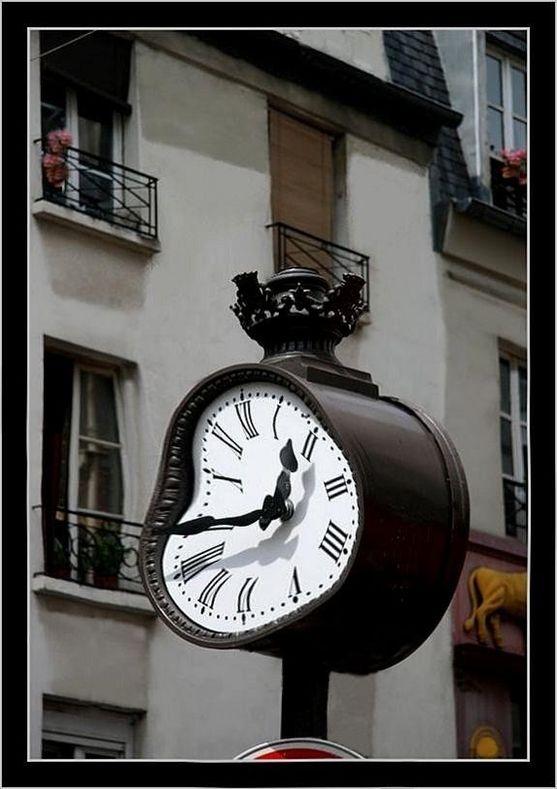 """"""" Le Temps , entre réalité et illusion"""""""