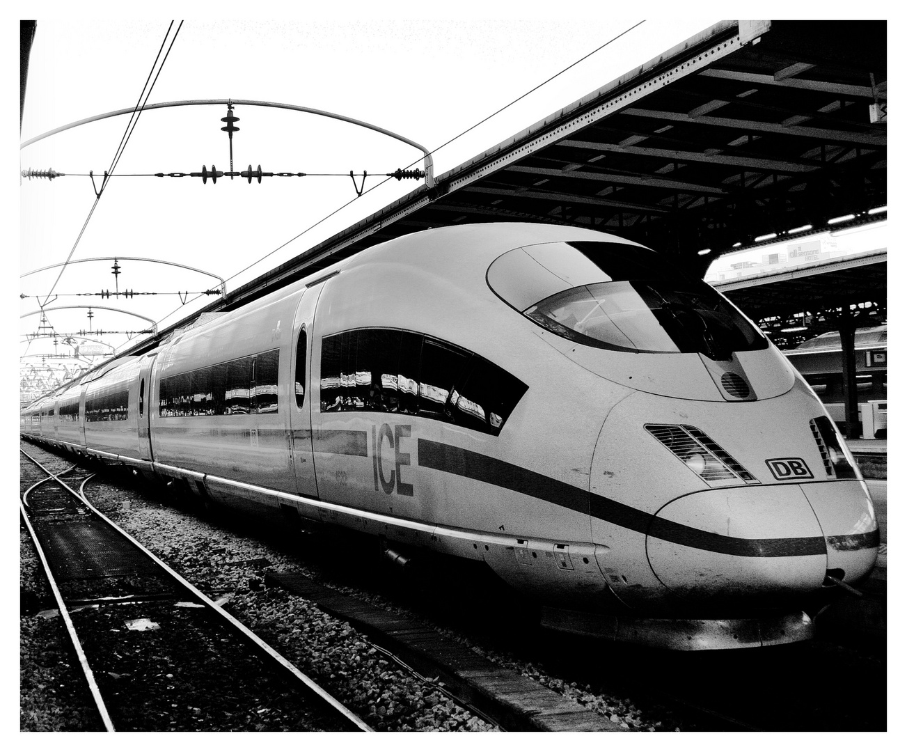le tgv allemand de la db (gare de l'est)
