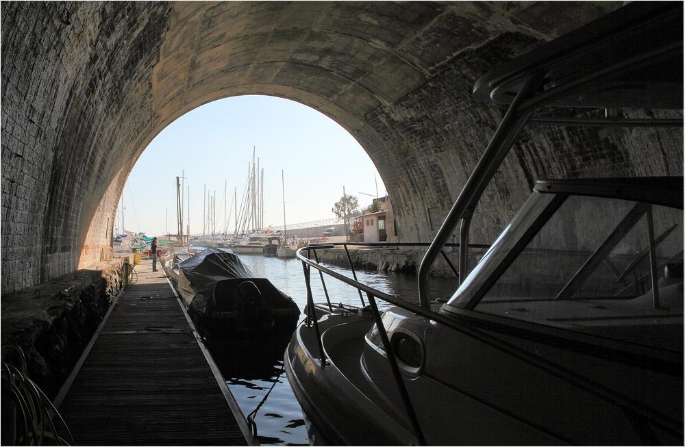 Le tunnel du Rove
