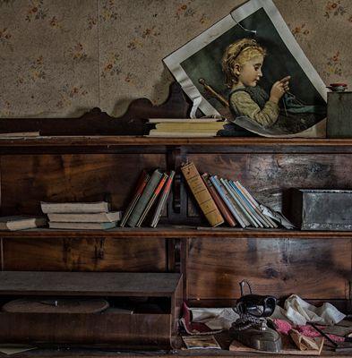 Le vieux dressoir