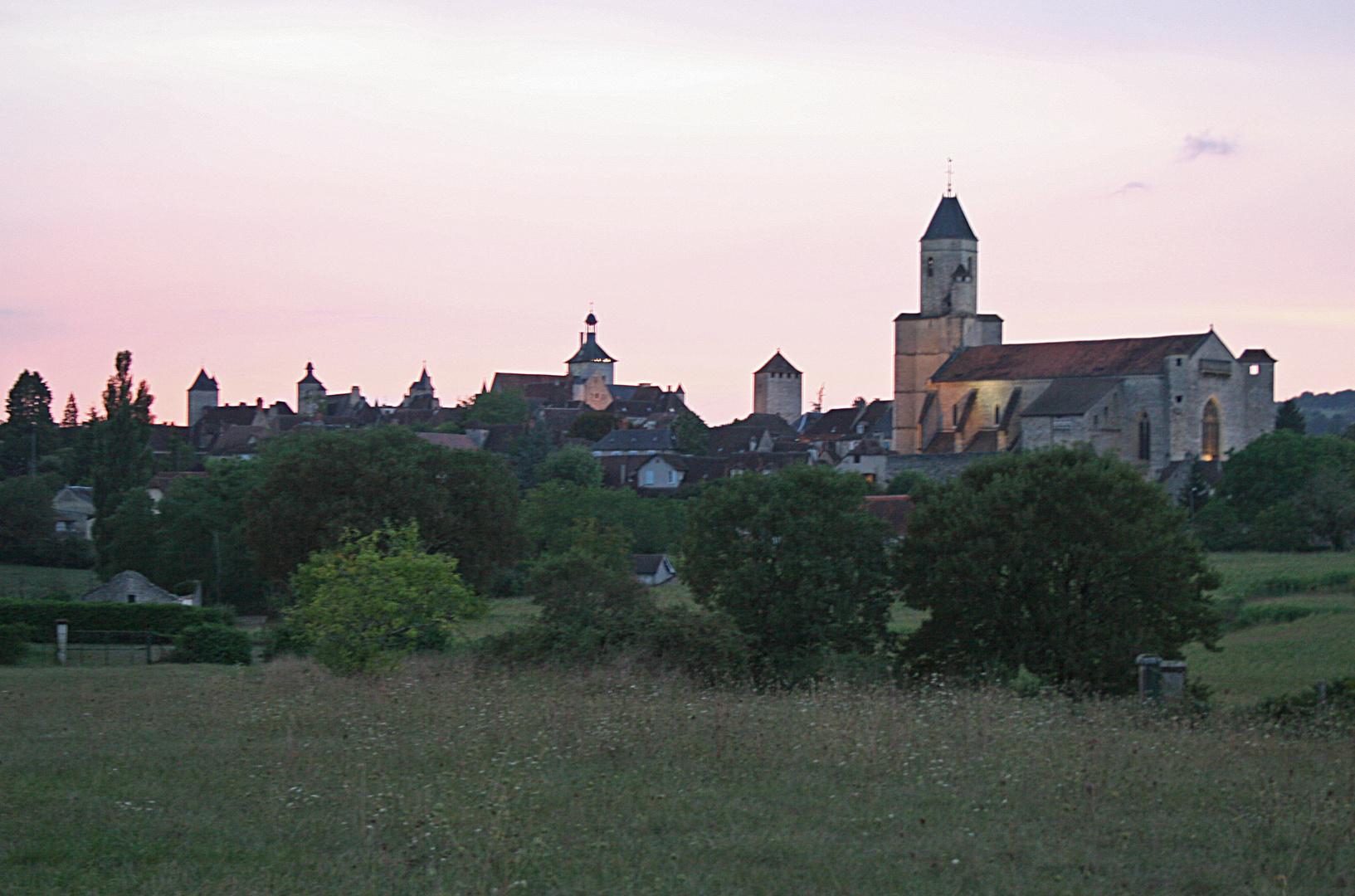 le village de Martel au soleil couchant, Lot