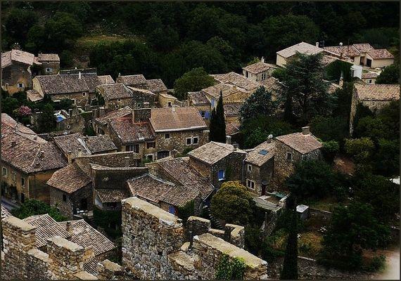 Le village de Saint-Montant (Ardèche) vu d'en-haut !!!