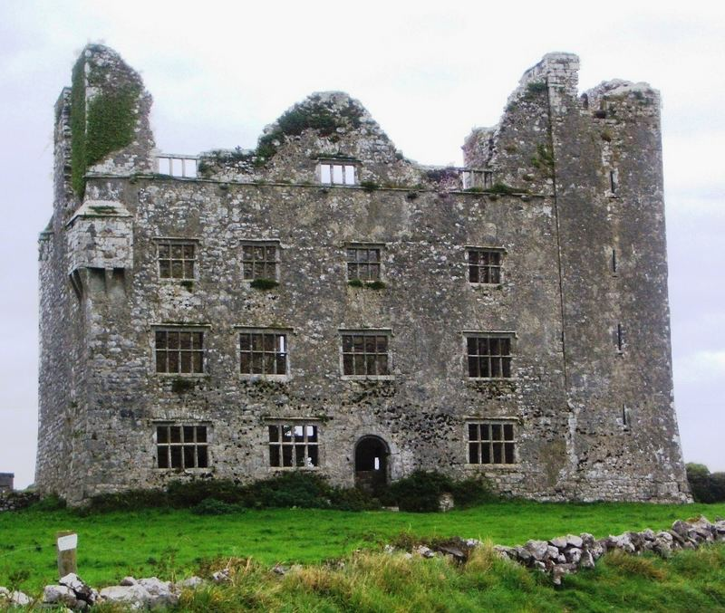 Leamaneh Castle im County Clare