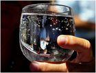 L'eau bue peut mettre le monde a l'envers