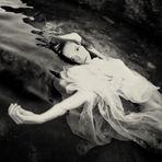 L'Eau et les rêves - l'eau sombre