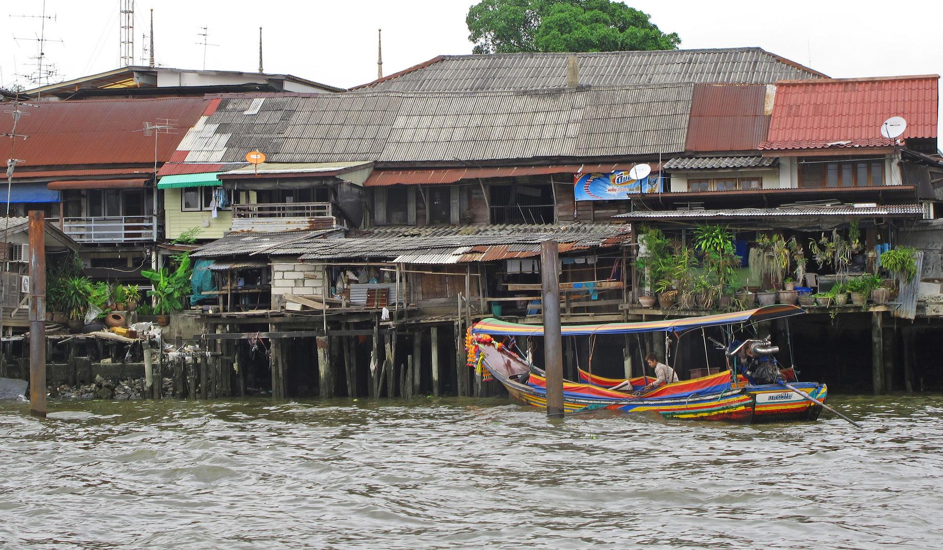 Leben am Fluss in Bangkok