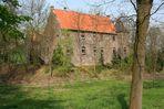 Leben mit dem Braunkohletagebau: Wasserschloss Haus Paland in Borschemich/Erkelenz auf dem Trockenen