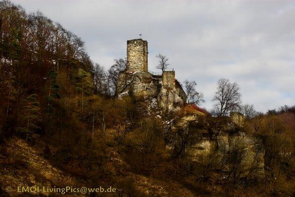 Lebendiges Mittelalter...Burgruine Hohenhundersingen im Grossen Lautertal