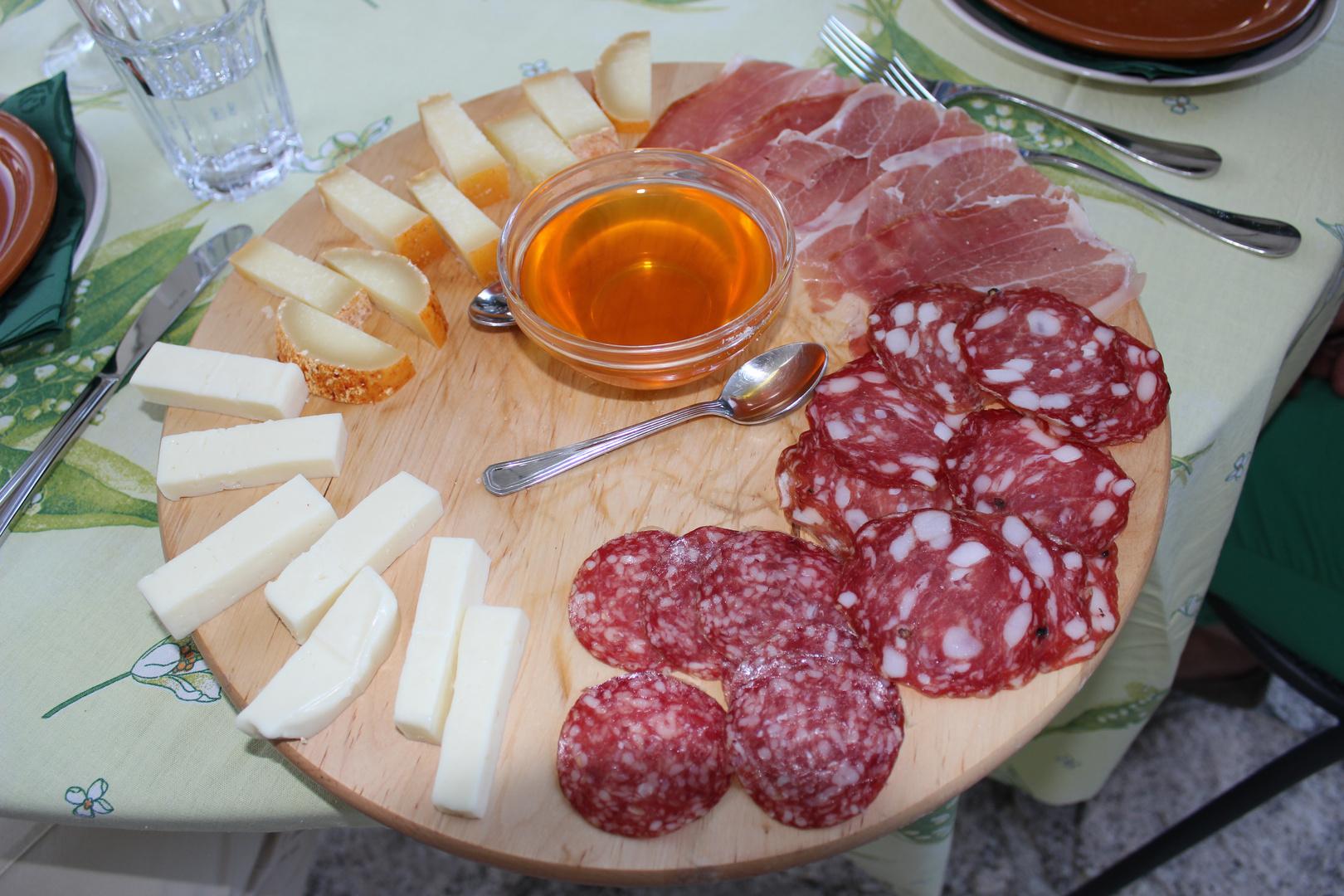 lecker - Käse mit Honig
