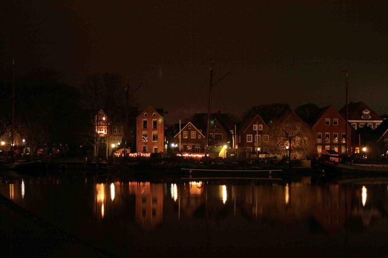 Leeraner Hafenprommenade bei Nacht 25.12.06_2:30