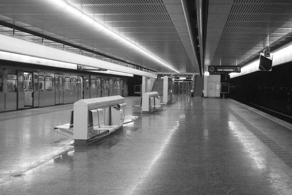 Leerfahrt | U-Bahn-Station Wien Simmering