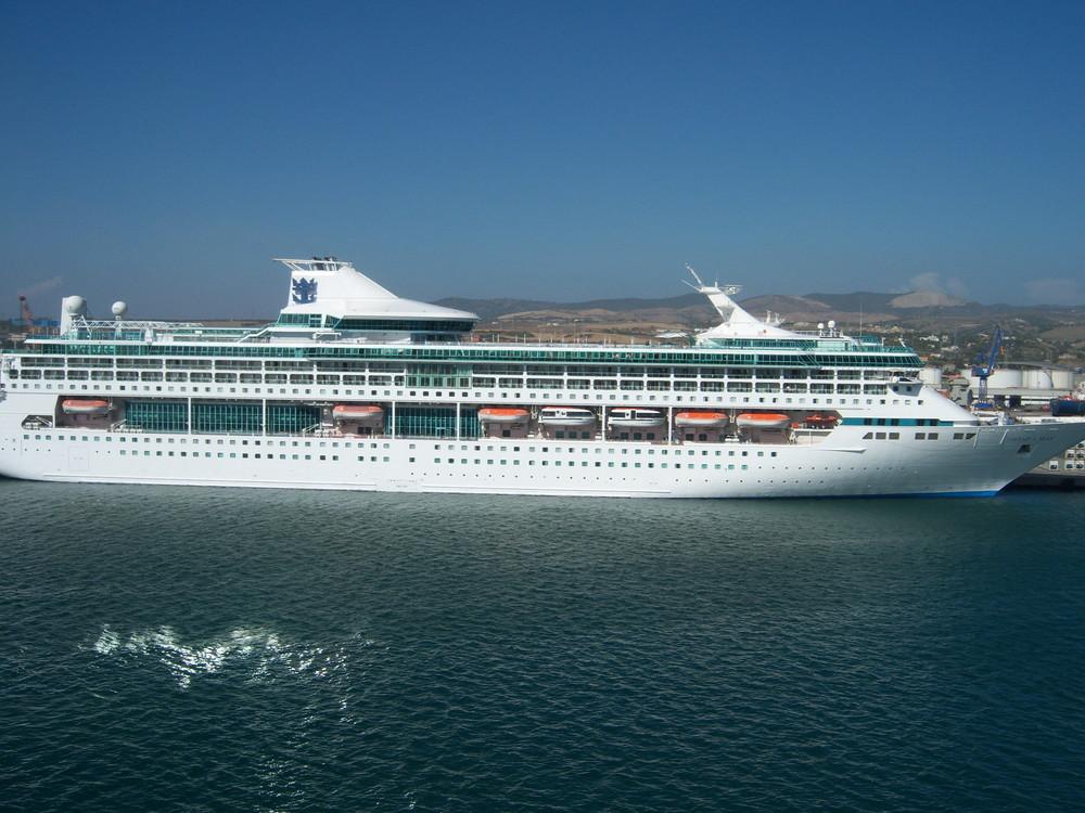 Legend of the Seas von Royal Caribbean Cruise Line in Venedig