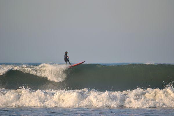 leger sur la vague