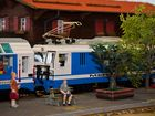 LEGO-Zug am Bahnsteig